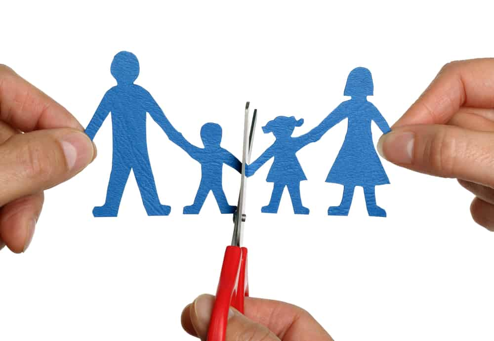 איך עורכים חלוקת רכוש בגירושין עם ילדים?