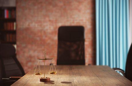 דחיית בקשה לביטול החלטה לתקן פסק דין קודם ולחייב הוצאות
